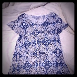 Blue and White Diamond patterned V neck